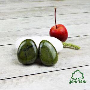 Jade kanadai oldalfúrt medál