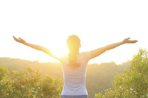 Hogyan védjük a bőrünket nyáron, okosan